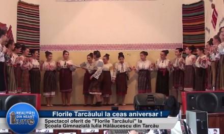 """Spectacol oferit de """"Florile Tarcaului """""""