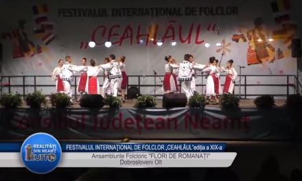 """FESTIVALUL INTERNAŢIONAL DE FOLCLOR """"CEAHLĂUL""""EDITIA a XIX a Ansamblurile Folcloric FLORI DE ROMANATI"""