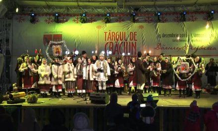 Târgul de Crăciun – AnsambluL Folcloric -Floricică de la Munte