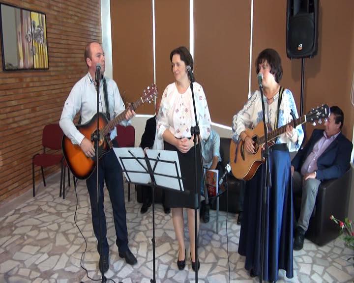"""Lansare de album muzical la Biblioteca Județeană """"G.T. Kirileanu"""""""
