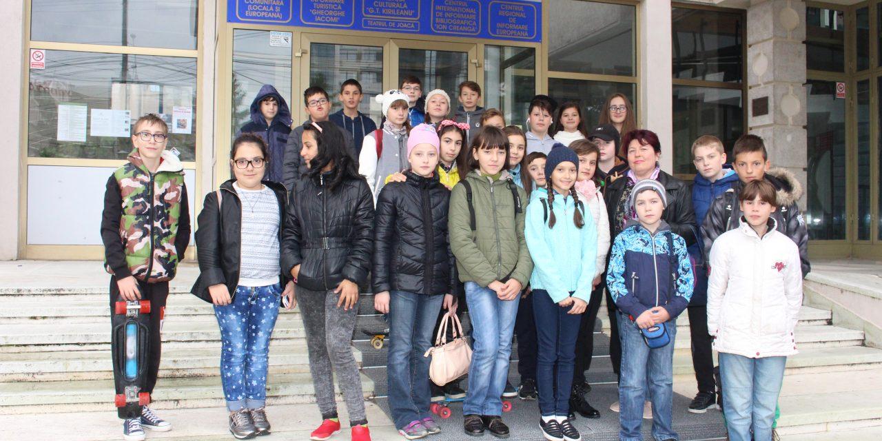 Biblioteca Județeană a celebrat Ziua Mondială a Educației