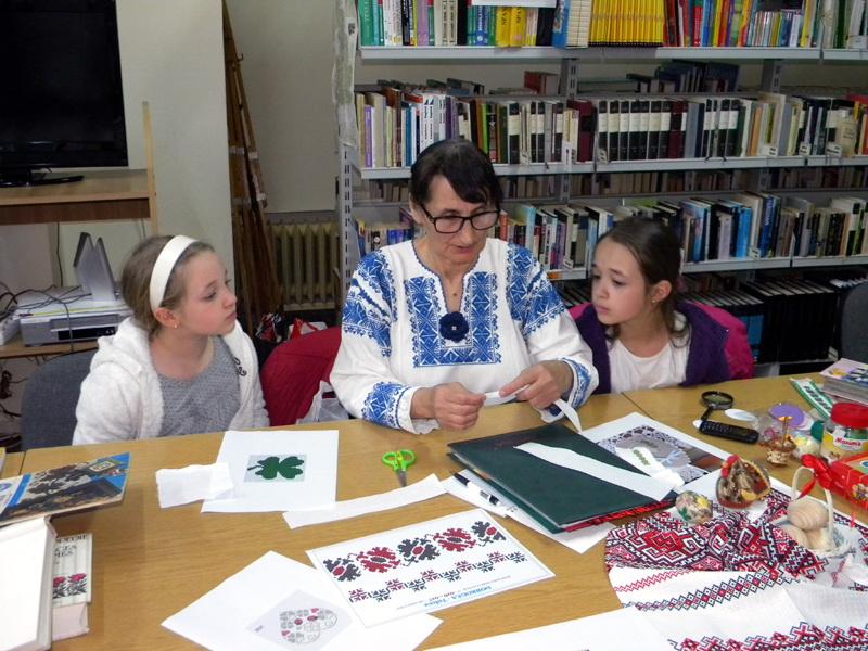 Arta meșteșugului tradițional, susținută de Biblioteca Județeană