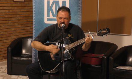 Muzică și poezie cu cantautorul Nicu Zota