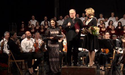 """Festivalul international de muzică """"Vacante Muzicale la Piatra Neamț"""" prima zi"""