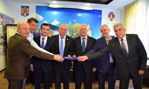 """Semnarea Actul de Constituire al Asociației """"Moldova se dezvoltă"""""""