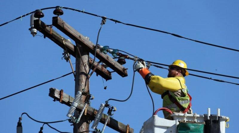 Lucrări la rețeaua de energie în perioada 29 iulie-4 august! Fără curent în mai multe zone!