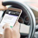 Fără telefon la volan! Noile prevederi ale codului rutier intră în vigoare de astăzi!