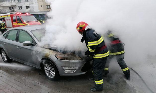 Incendiu autoturism în municipiul Piatra-Neamț