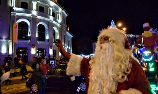Moș Crăciun ajunge la Piatra-Neamț!
