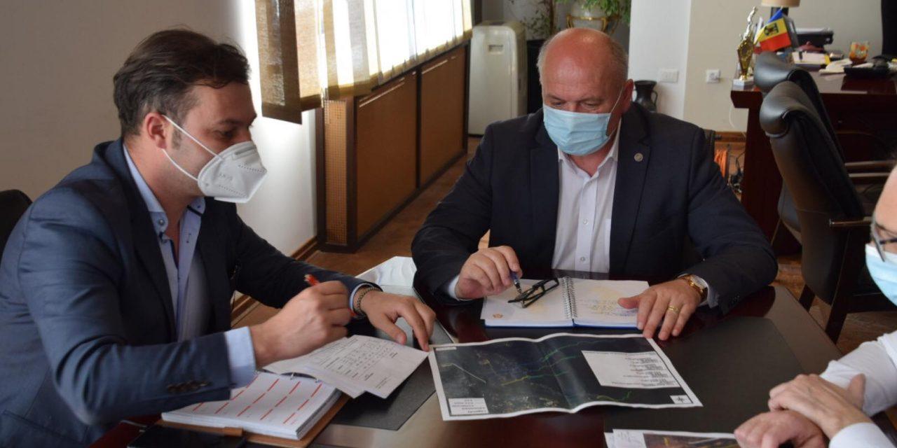 Primarul Dragoș Chitic și prefectul George Lazăr – front comun pentru prevenirea inundațiilor