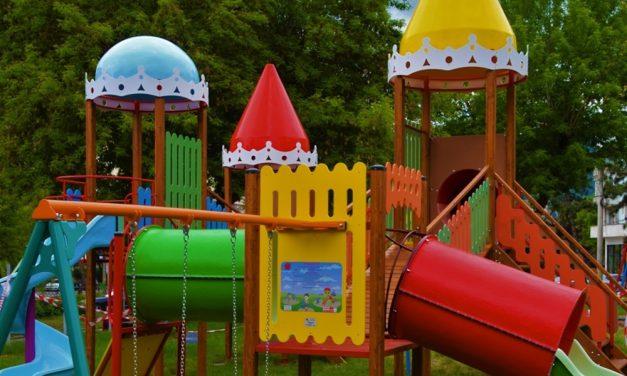 Începând de vineri – 12 iunie, se vor deschide locurile de joacă