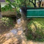 Gospodării inundate la Bodeşti