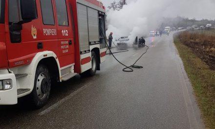 Incendiu autoturism pe E85