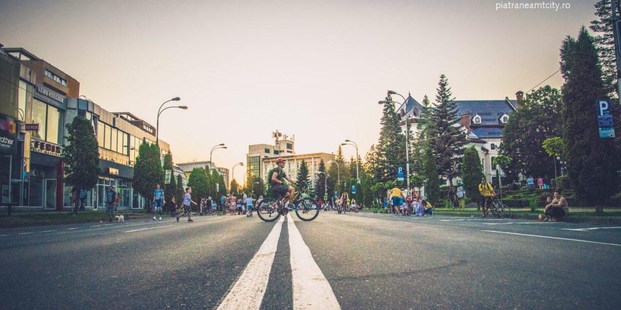 Piața Ștefan cel Mare din Piatra-Neamț – zonă de promenadă  în fiecare weekend