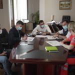 Centru de vaccinare drive-thru la Piatra-Neamț
